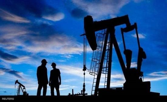 """النفط يهبط 2 بالمئة بسبب """"فيروس الصين"""""""