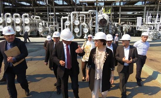 وزيرة الطاقة تطلع على مستجدات مشروع التوسعة الرابع لمصفاة البترول