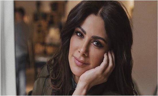 شاهد: كيف حولت صبا مبارك نفسها شبيهة من ياسمين صبري