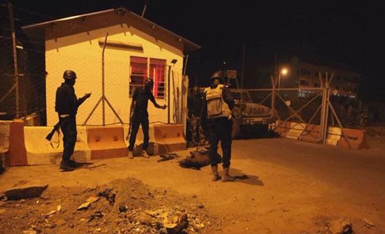 """جيش مالي: مقتل 49 جنديا في هجوم استهدف موقعا عسكريا شمال شرق البلاد.. و""""داعش"""" يتبنى"""