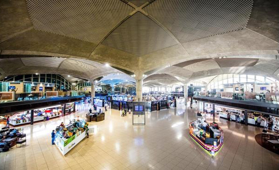 مطار الملكة علياء الدولي يستقبل أولى رحلات طيران السعودية الخليجية