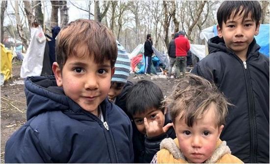قاض أمريكي يأمر إدارة ترامب بالتوقف عن طرد الأطفال المهاجرين