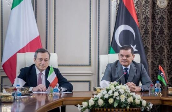 رئيس الوزراء الإيطالي يصل طرابلس ويلتقي نظيره الليبي