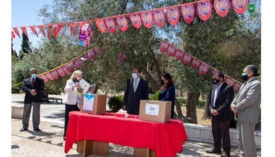 """انطلاق حملة """"طرود الخير"""" في """"الأردنية"""""""