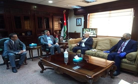 وزير الصحة والسفير العراقي يبحثان أوجه التعاون بين البلدين