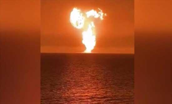انفجار ضخم ببحر قزوين قبالة سواحل باكو .. بالفيديو