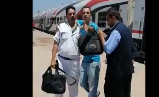 فيديو لضرب شرطي يثير ضجة في مصر