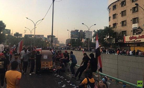 الأمن العراقي يجبر متظاهرين حاولوا عبور جسر الجمهورية على التراجع
