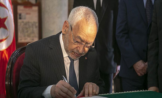 """""""يشكل تهديدا للأمن القومي لتونس"""".. الأحزاب تنتفض ضد الغنوشي"""