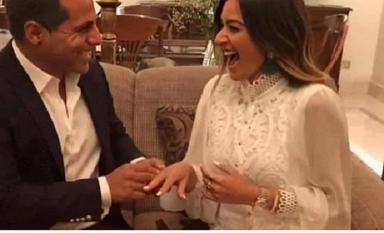 على طريقة ياسمين صبرى.. أمينة خليل عن خطيبها: بيضحكني