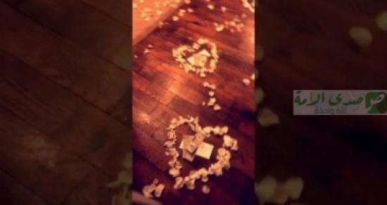 هدية رومانسية غير متوقعة من شاب لخطيبته (فيديو)