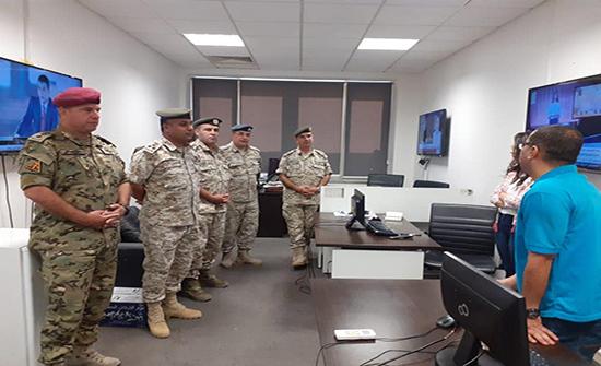 ضباط من القوات المسلحة يزورون مجموعة الراية الإعلامية