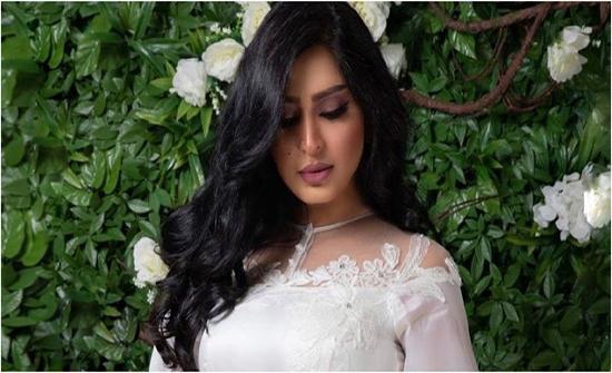 ريم عبدالله تفاجئ المتابعين بارتدائها الحجاب - فيديو