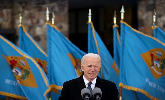 الرئيس الأمريكي المنتخب جو بايدن يصل إلى منصة التنصيب في الكونغرس .. بالفيديو