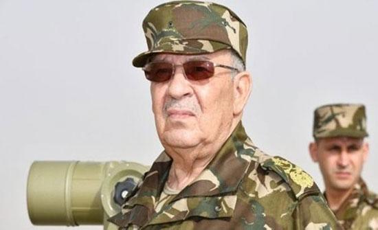 الجزائر.. رئيس الأركان يحذّر من رفع أعلام الأقليات بالمسيرات