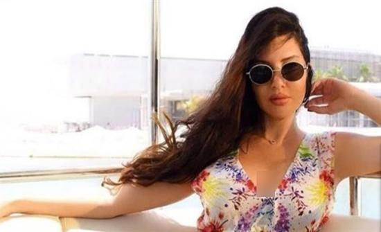 شاهد : إطلالة جذابة ومثيرة  للفنانة اللبنانية لاميتا فرنجية