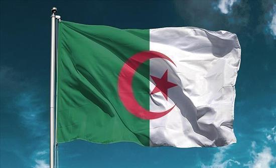 الجزائر.. المرشح الإسلامي الوحيد للرئاسيات يحذر من خطر الإفلاس