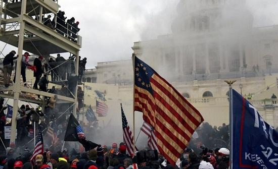 العدل الأمريكية تصدر أحكاما بحق 400 متهم تورطوا في اقتحام الكونغرس