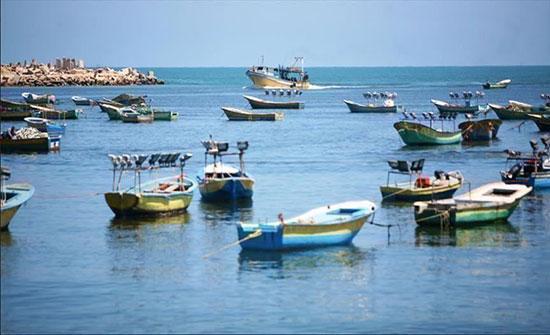 الاحتلال الاسرائيلي يعتقل صيادين في بحر غزة