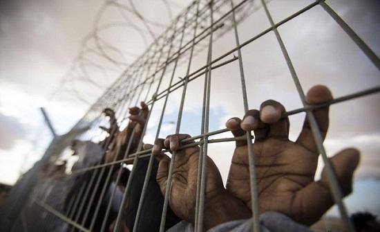 أسير فلسطيني في سجون الاحتلال يدخل يومه 70 بالاضراب عن الطعام