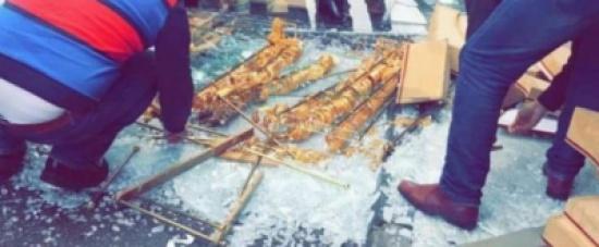 انهيار واجهة محل لبيع المصوغات الذهبية في محافظة اربد 5e3ef254f372e_wsw