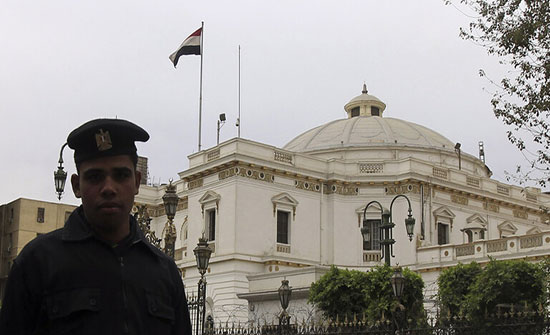 نائب مصري يطالب برحيل السيسي.. والبرلمان يتخذ إجراء عاجلا ضده