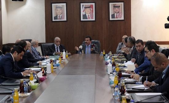 القانونية والادارية النيابية تواصل مناقشة مشروع البلديات واللامركزية