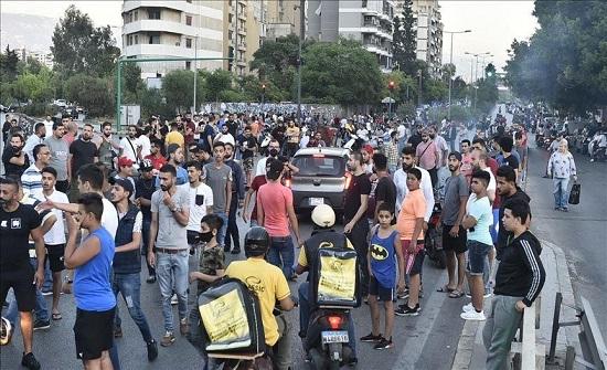 الشارع اللبناني يتحرك مجددا.. احتجاجات غاضبة ضد تدهور المعيشة