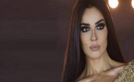 بعد طلاقها.. نادين نجيم تحتفل (فيديو)