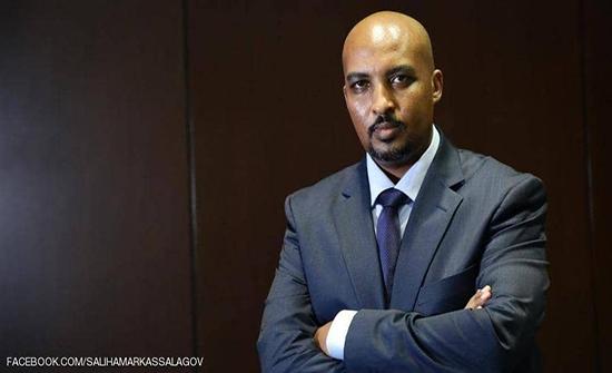 احتجاجات تطيح بأول حاكم مدني لولاية سودانية