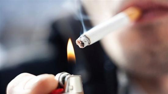 أطعمة على المدخنين تناولها لتفادي الإصابة بأمراض الرئة