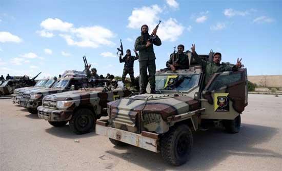 الرئاسي الليبي يحظر التحركات العسكرية بعد إغلاق منفذ حدودي وواشنطن : فتح الطريق الساحلي مهم