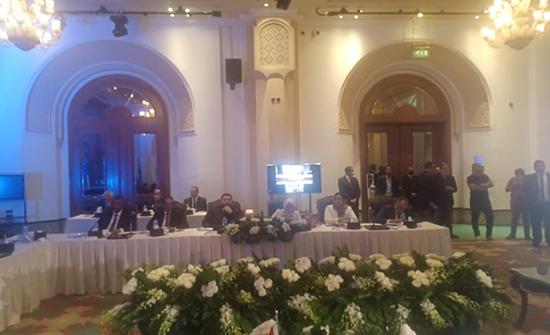 تواصل حوار الليبيين في القاهرة.. الدستور يعرقل التوصل لاتفاق