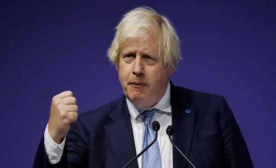 وسط انتقادات حول أفغانستان.. جونسون يواجه البرلمان اليوم