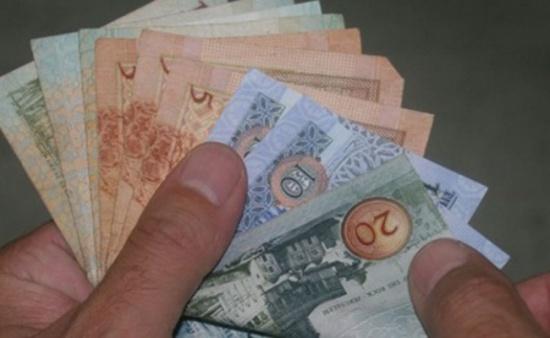 بسطامي وصاحب التجارية تتبرع بمبلغ 100 الف دينار لصندوق همّة وطن