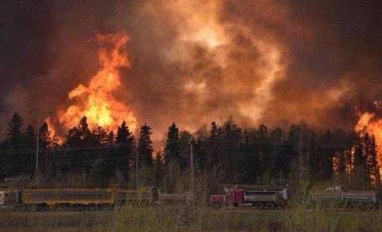 اشتعال نحو 300 حريق غابات في مقاطعة بريتيش كولومبيا الكندية
