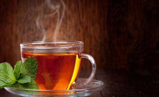 لحرق دهون البطن.. خمس إضافات عليك وضعها في كوب الشاي