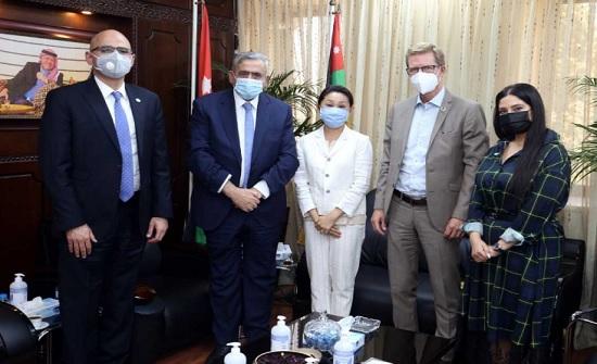 الأردنية تبحث التعاون مع منسق الأمم المتحدة