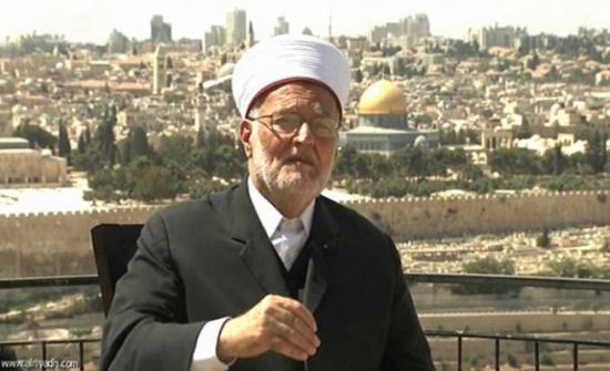 الاحتلال يبعد الشيخ عكرمة صبري عن الأقصى 4 أشهر
