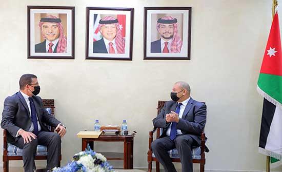 رئيس مجلس النواب يلتقي السفير المصري