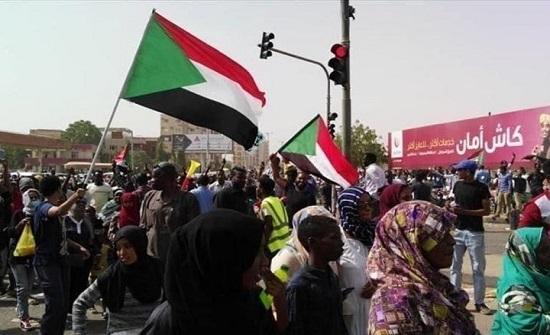 دعوات لمظاهرات حاشدة بالسودان.. ومطالب بإسقاط الحكومة