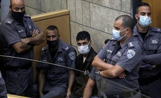 الاحتلال يكشف عن أدوات استخدمها الأسرى في حفر نفق جلبوع- (صورة)