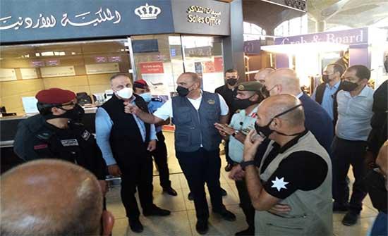 رئيس الوزراء يقوم بجولة مفاجئة لمطار الملكة علياء الدولي