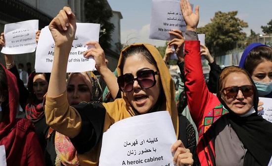 طالبان: ظننا داعش تنكر بزي نساء وهاجم قصر الرئاسة