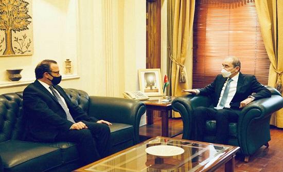 الصفدي يلتقي مساعد وزير الخارجية الأميركي