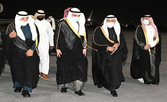 رئيس برلمان الكويت في الدوحة لنقل رسالة إلى أمير قطر
