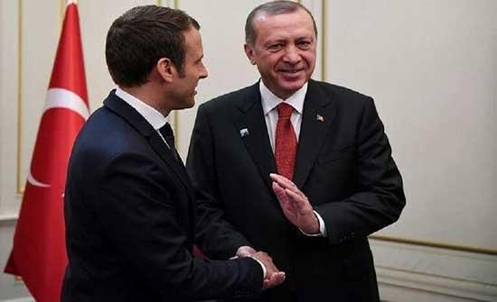 أردوغان يدعو ماكرون إلى إبقاء قنوات الحوار مفتوحة بين الدولتين