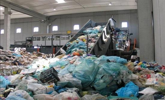خبراء بيئة: مشاريع إعادة التدوير خجولة وسط تضاعف حجم النفايات