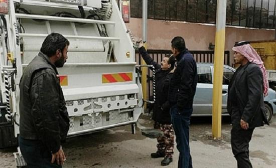 بلدية السلط الكبرى تعزز أسطول آلياتها بثلاث ضاغطات