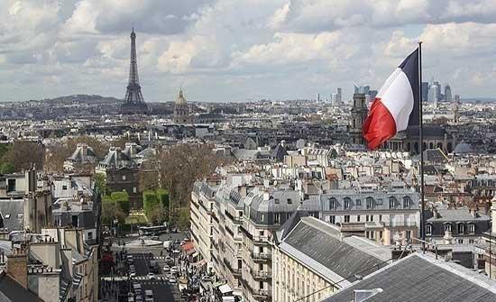 أطباء باريس: إصابات كورونا قد تجبرنا على الاختيار بين المرضى